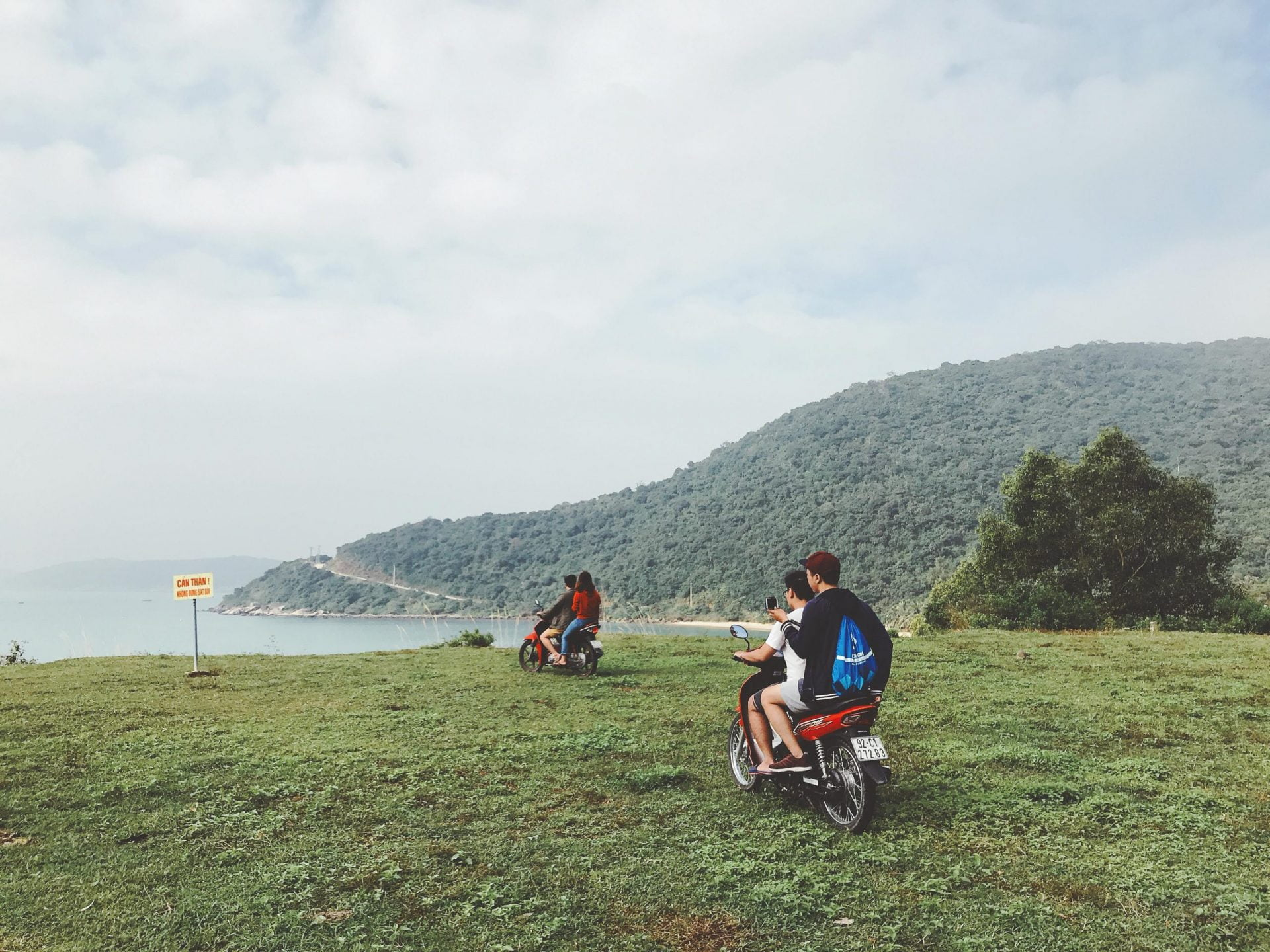 bai dap san bay scaled